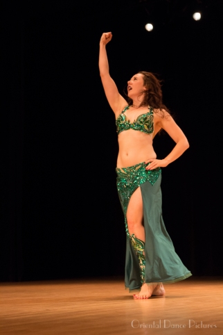 Siobhan is a dynamic Raqs Sharqi performer based in Delft, the Netherlands. Pictured performing in Montreal, Quebec, 2017.