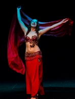 Siobhan performing Cabaret style belly dance in Auckland, New Zealand at MEDANZ Festival.