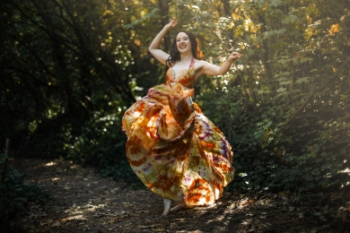 Siobhan is passionate about belly dance - and that is clear in her performances and teaching! Book a professional belly dance performer for your event, or learn to dance with Greenstone Belly Dance.
