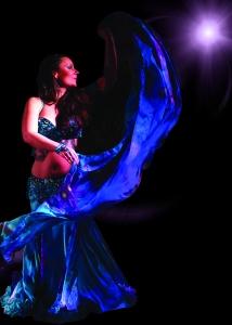 Greenstone Belly Dance presenteert Flowing Veil - Sluierworkshop voor gevorderden met Asiyah Suad in Rotterdam